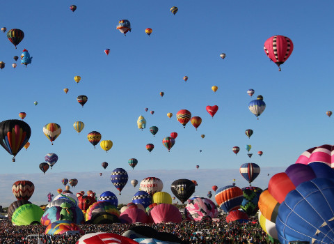 hot-air-balloons-2127076_1920.jpg