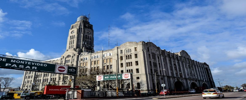 Edificio_Aduana_de_Montevideo.jpg
